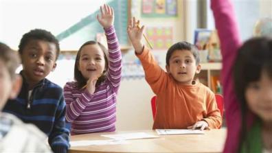 children_raising_hands001_16x9
