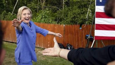 clinton_campaign_handshake001_16x9