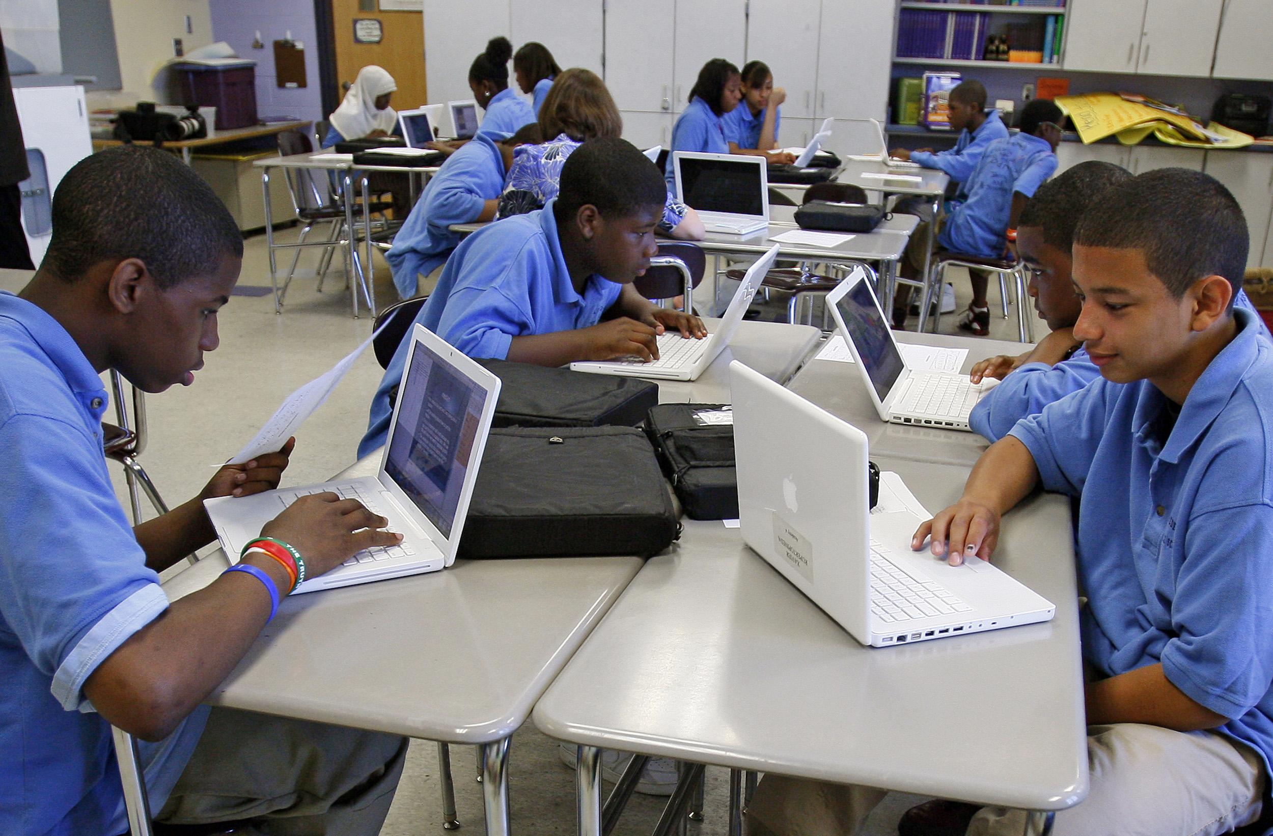 Choosing Between Teachers And Technology
