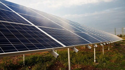 With ambitious renewable energy targets, India on track for Paris