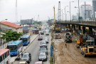 Labourers work to reconstruct part of the Marina road in Nigeria's commercial capital Lagos June 17, 2016.REUTERS/Akintunde Akinleye - S1AETKMGFTAA