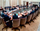 Federal Reserve Board Chairman Ben Bernanke (5th R) chairs a meeting of the Federal Open Market Committee, the Federal Reserve's interest rate-setting body, in Washington in this March 17, 2009 picture released on March 19, 2009. The Federal Reserve on Wednesday announced the purchase of longer-dated Treasury securities to help end a deepening U.S. recession. REUTERS/Joe Pavel/Federal Reserve Board/Handout (UNITED STATES POLITICS BUSINESS) FOR EDITORIAL USE ONLY. NOT FOR SALE FOR MARKETING OR ADVERTISING CAMPAIGNS - WASE53J19O901