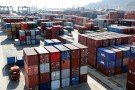 Shipping containers are seen at a port in Lianyungang, Jiangsu province, China September 8, 2018. REUTERS/Stringer ATTENTION EDITORS - THIS IMAGE WAS PROVIDED BY A THIRD PARTY. CHINA OUT. - RC1340718000