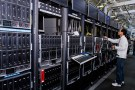 Hewlett-Packard ProLiant commercial data servers destined for cloud computing are assembled by workers at a company manufacturing facility in Houston November 19, 2013. REUTERS/Donna Carson (UNITED STATES - Tags: BUSINESS SCIENCE TECHNOLOGY) - TM4E9BJ1OPO01