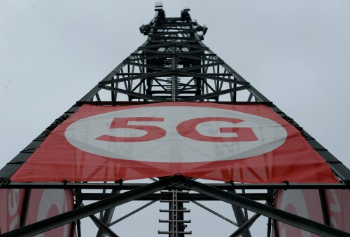 A mobile phone mast with 5G technology is pictured at the 5G Mobility Lab of telecommunications company Vodafone in Aldenhoven, Germany, November 27, 2018. Picture taken November 27, 2018. REUTERS/Thilo Schmuelgen - RC18E49931E0