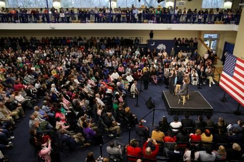 U.S. Senator and Democratic presidential hopeful Kamala Harris campaigns at a town hall in North Charleston, South Carolina, U.S., February 15, 2019.  REUTERS/Elijah Nouvelage - RC142DDF2480