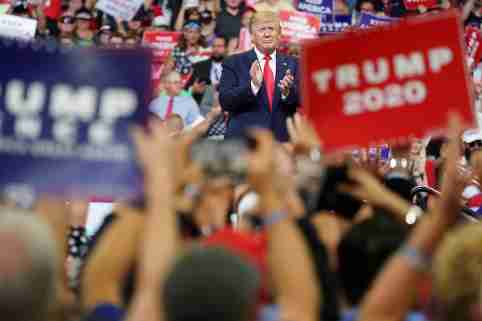 U.S. President Donald Trump speaks at a campaign kick off rally at the Amway Center in Orlando, Florida, U.S., June 18, 2019. REUTERS/Carlo Allegri - RC1ADE2C1FE0