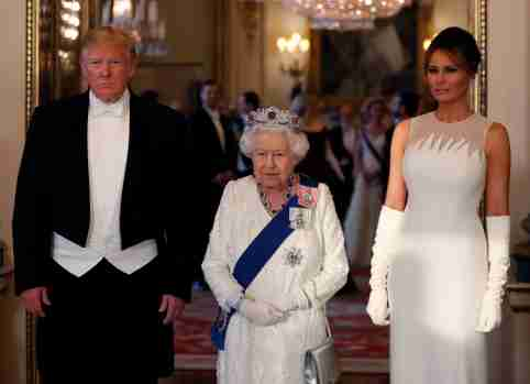U.S. President Donald Trump, First Lady Melania Trump and Britain's Queen Elizabeth pose at the State Banquet at Buckingham Palace in London, Britain June 3, 2019. Alastair Grant/Pool via REUTERS - RC19A2509000
