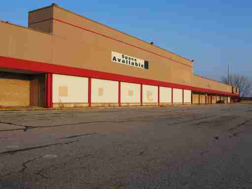 """""""Vacant commercial property available for lease. A victim of tough economic times or an opportunity to expand and growIf you find that this image suits your needs, I would appreciate knowing how it was used."""""""