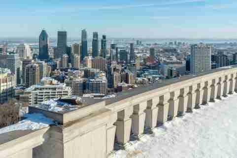 Montreal Skyline from Kondiaronk Belvedere / Mont-Royal in Winter (2017)