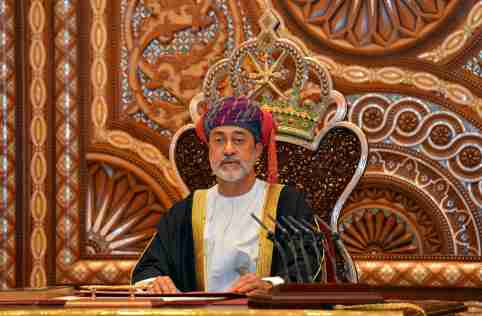 FILE PHOTO: Sultan Haitham bin Tariq al-Said gives a speech after being sworn in before the royal family council in Muscat, Oman January 11, 2020.  REUTERS/Sultan Al Hasani/File Photo