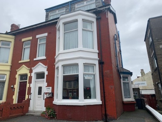 Park Road, Blackpool, FY1 4ET