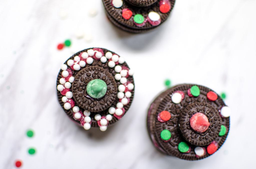 These Oreo Christmas Tree Cookies are a cute edible display for your next Christmas party. Even a great Christmas party crafts for kids.