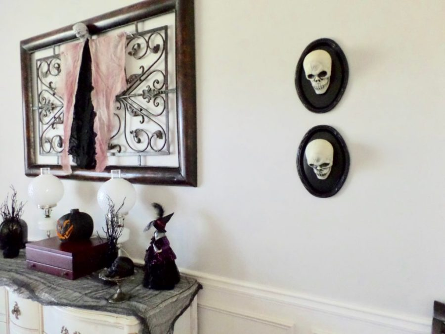 DIY spooky halloween wall art