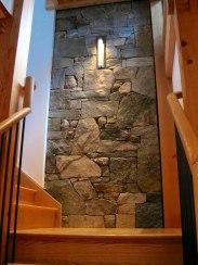 Stairwell Wall - Weathered Fieldstone Blend
