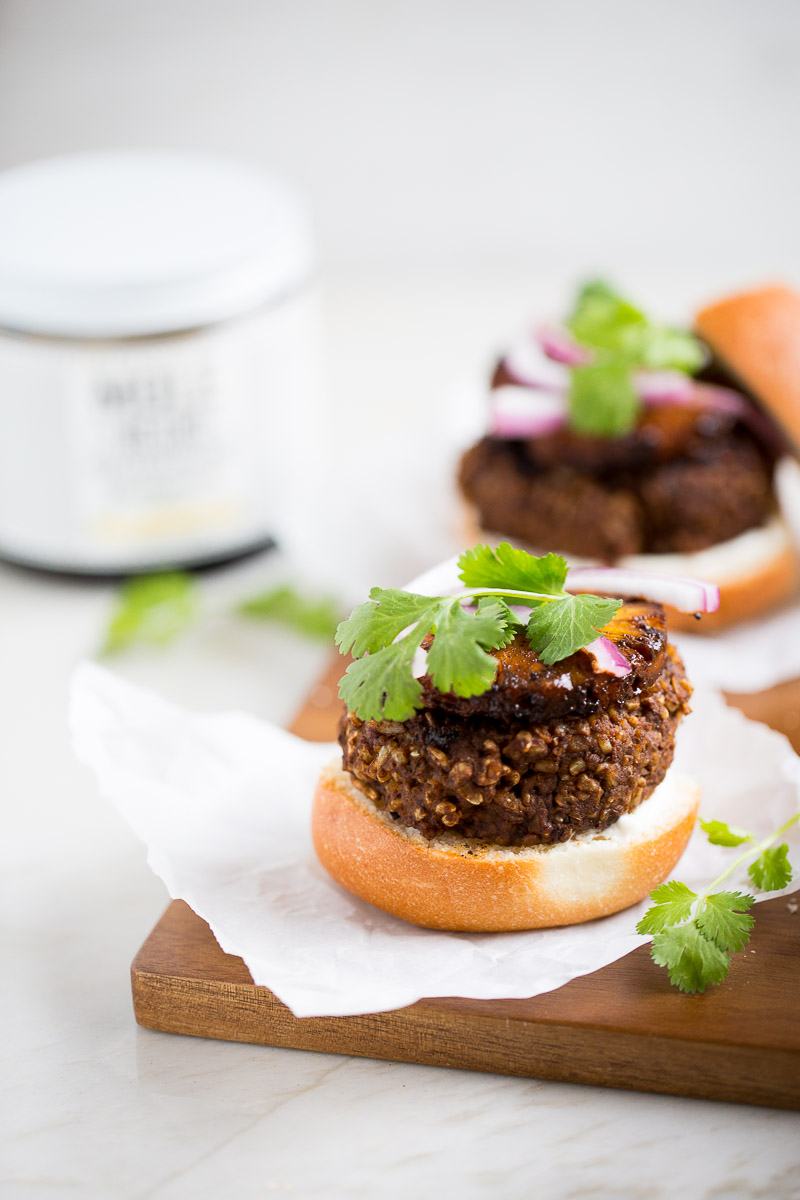 Black bean burger with mole and grilled pineapple