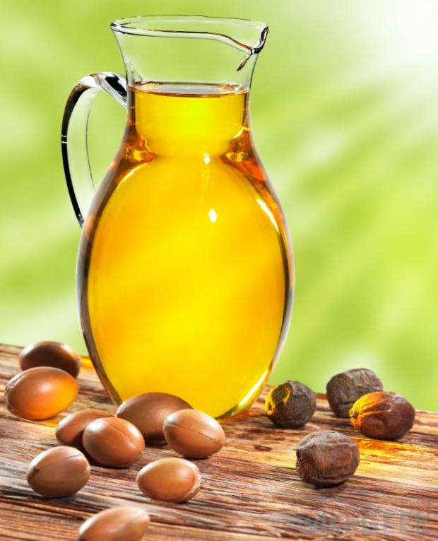 argan-oil-and-nuts