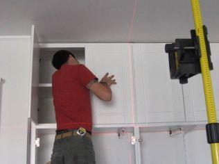 HolzLi è montaggio di mobili su misura