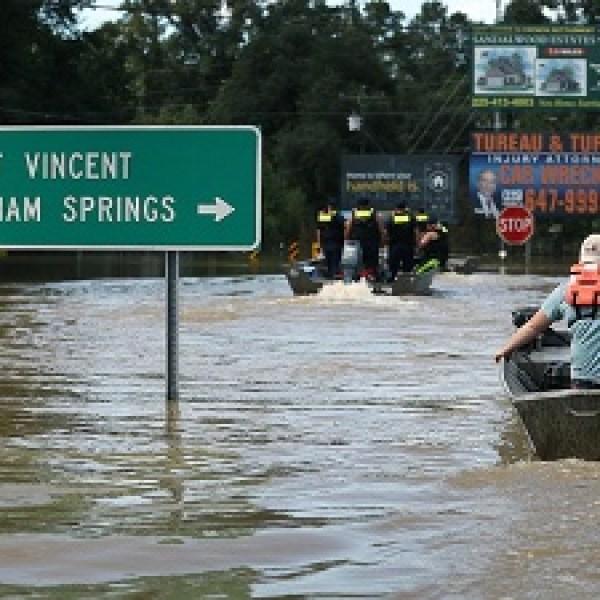 Louisiana-flooded-road-jpg_20160817153433-159532