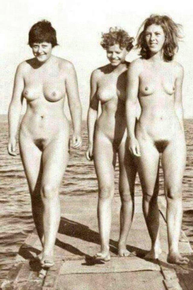 Merkel naked 650