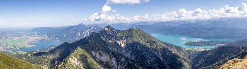 Traumhafter Ausblick auf den Herzogstand, Martinskopf und das dahinterliegende Alpenpanorama