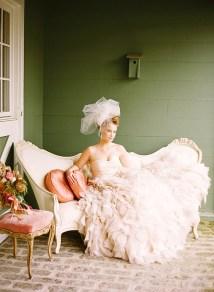 Katie-Stoops-Photography-vintage-bryllup-blush-brudekjole