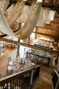 rustikk-låve-bryllup