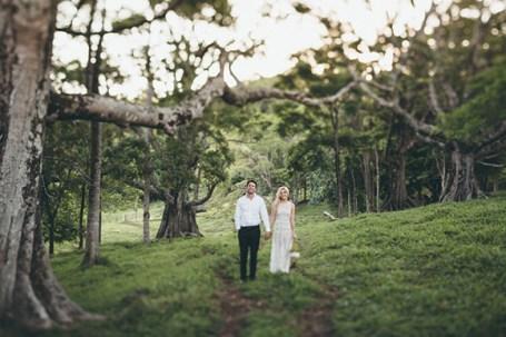 Bride-and-Groom-in-Australian-bush1