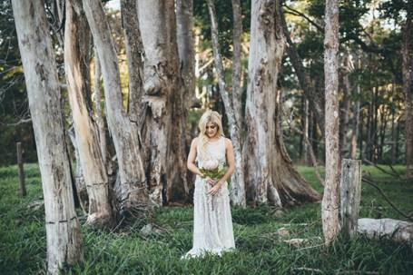 skog-fotografering-brud-trash-the-dress