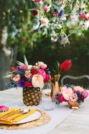 Tropisk-hawai-aloha-ananas-fargerikt-bryllup