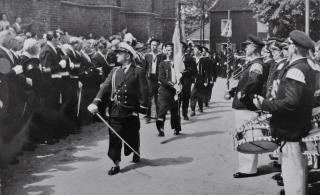 1957 Marinezug mit Johann Gerads bei der Königsparade