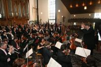 Festhochamt mit musikalischer Gestaltung durch die Chorgemeinschaft Beeck und Rath-Anhoven, sowie einem Orchester unter der Leitung von Helmut Misgaiski