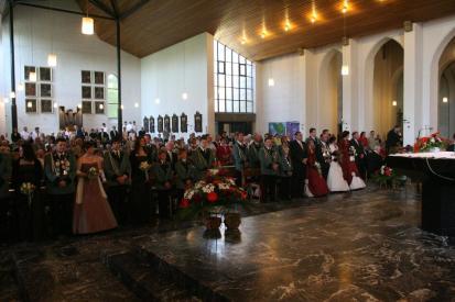 Die Beecker Gemeinde und viele Gäste bei der schönen Messe