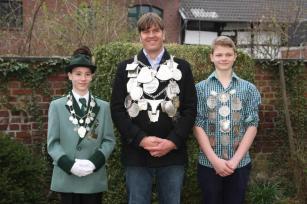 2013 Die neuen Majestäten: Schülerprinz Nikolas Schlitt, König Daniel Schlagheck, Prinz Paul Schlagheck