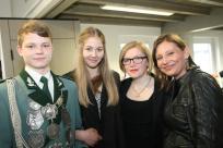 Unser Prinz Paul Schlagheck mit Cousine, Schwester und Königin Silvia