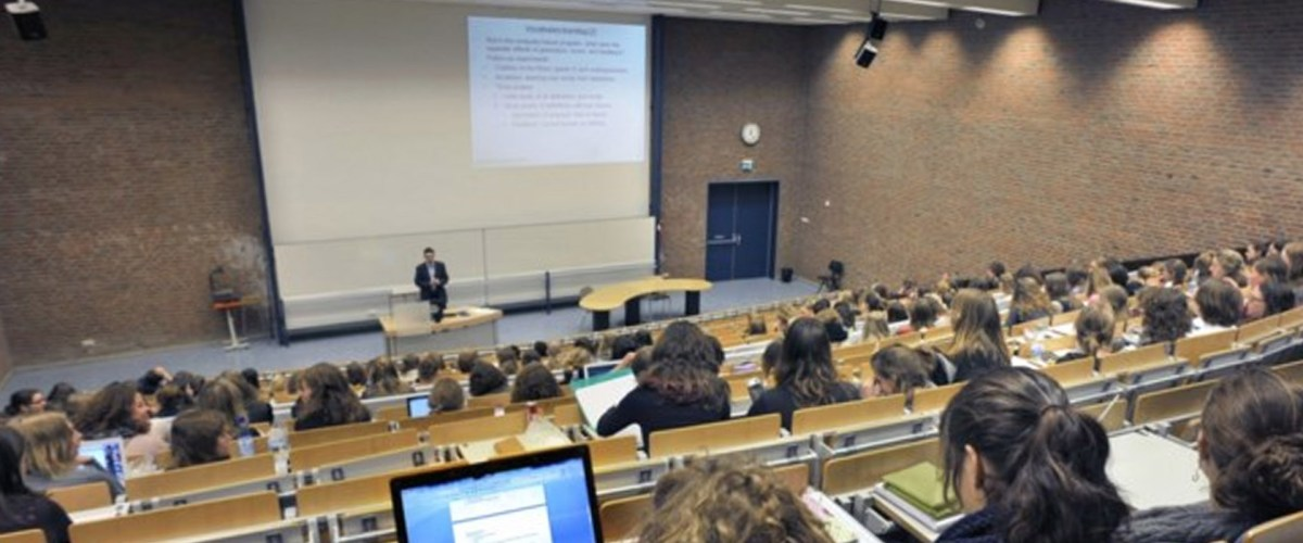 Brugse school heeft nuttige straf klaar voor haar klimaatspijbelaars