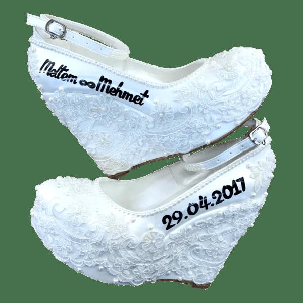 Bruidssleehakken met franse kant