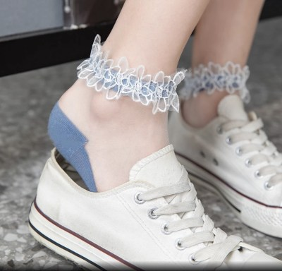 Bruidssokken bruidssneakers