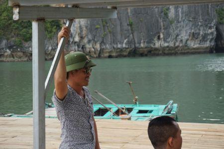 Local bij Halong Bay