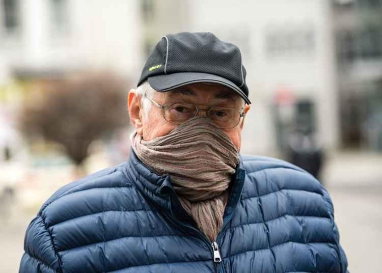 Fabric face mask prevent coronavirus spread