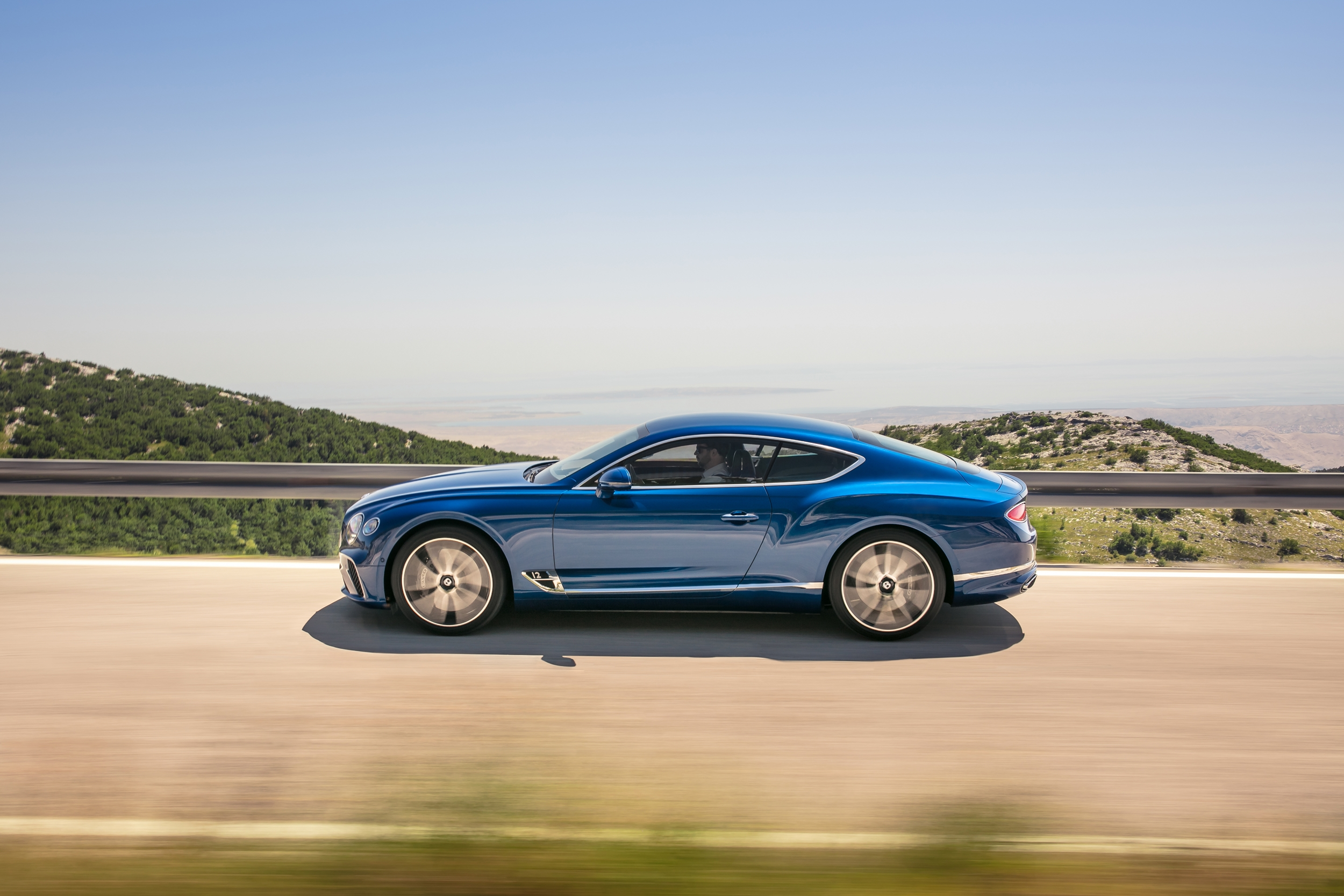Bentley Continental GT side picture