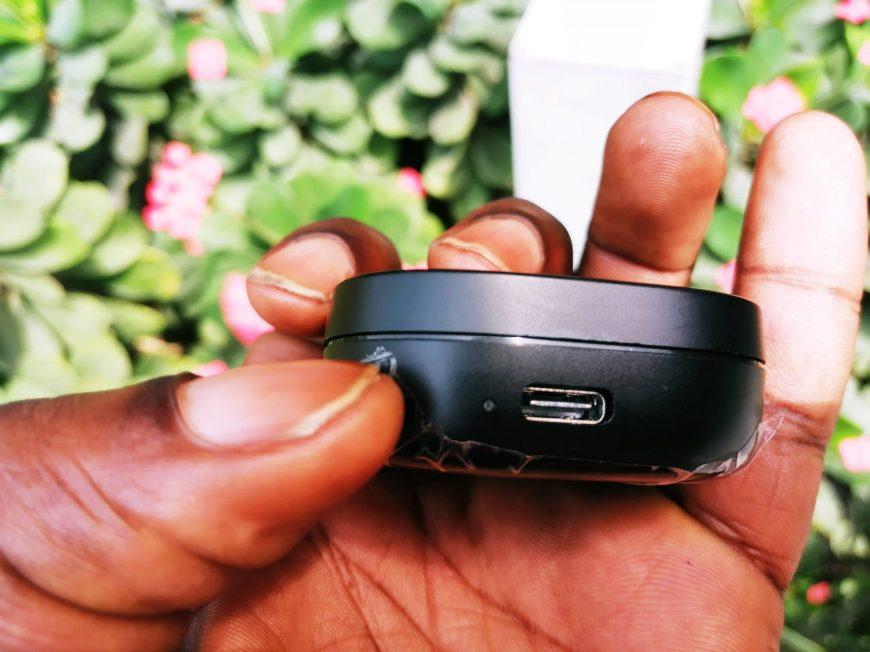SoundPEATS TrueAir 2 is falt and portable