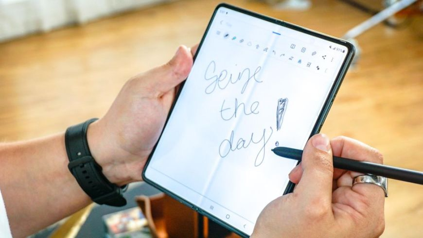 Galaxy Z Fold 3 supports S-Pen