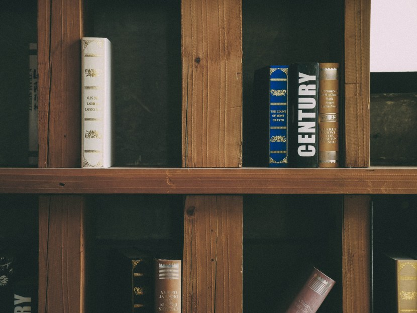 bookcase at maan coffee - blue, weekend colour palette | brunch at audrey's