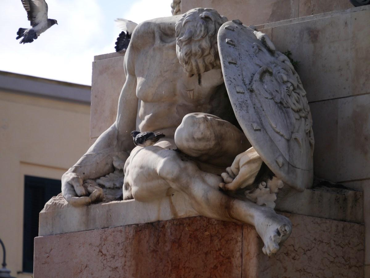 Monumento ai Caduti di Edgardo Simone