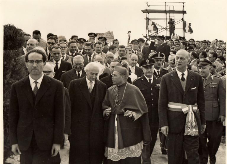 Le foto dello storico accordo e posa della prima pietra della Montecatini a Brindisi