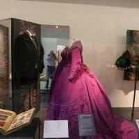 Victoria & Albert Museum di Londra - Abiti in mostra nella Fashion Gallery