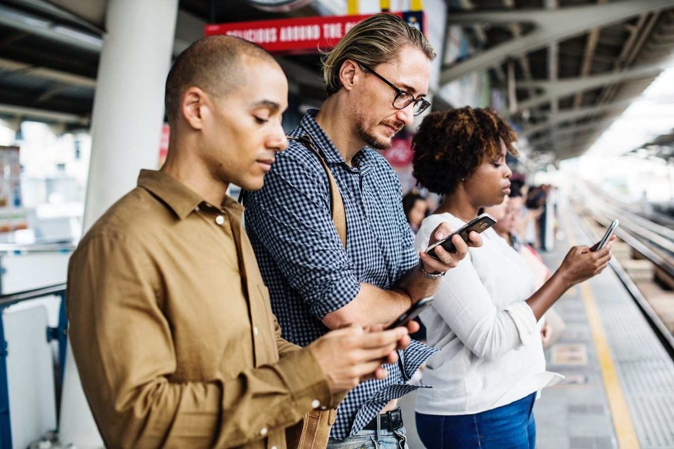 6 Ways To Spend Less Time On Your Phone 1 - Brondema