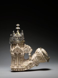 Meerschaum pipe in the shape of a Gothic Edicule. It was offered by the Grand Turk to the King of Sardinia Victor Emmanuel II.