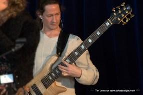 Mike le bassiste